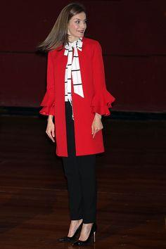 6076 mejores imágenes de Reina Letizia en 2019  695f77aa5176