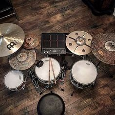 Drum kit w/ drum pad.