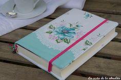 Funda de libro vintage. www.lacestadelaabuelita.com