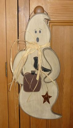 2949 Large Cute Spooky Wooden Ghost