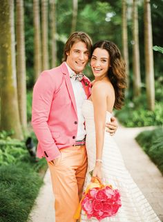 Fun groom outfits to brighten up wedding photos- absolutely love this color combo