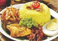 Cara membuat dan resep Nasi Kuning Spesial yang sangat mudah dibuat dan masalah rasa, tentu akan sangat enak dan nikmat sebagai menu sehar-hari.