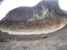 A colossal Pedra Pintada, RR, emblema da antiga civilizaçao amazónica - Yuri Leveratto