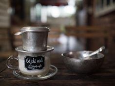 Vietnamese coffee has numerous famous coffee recipes. These coffee cups are made with ingredients that could be found in any kitchen. Luxury Restaurant, Coffee Recipes, Coffee Cups, Mugs, Tableware, How To Make, Coffee Mugs, Dinnerware, Cups