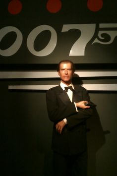 Wax figure of James Bond 007 - Pierce Brosnan