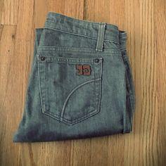 Joe's Jeans Size 25. Inseam 31. EUC!! Actual waist measurement 28, front rise 8, back rise 12. Joe's Jeans Jeans Straight Leg