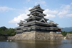 Matsumoto Castle05s5s4592 - Japanese architecture - Wikipedia, the free encyclopedia