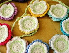 Felted Button - Colorful Crochet Patterns: ::FREE Summer Flower Bunting Crochet Pattern::