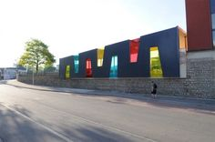 Simple yet beautiful schoolyard pavilion by Holweck Bingen Architects.