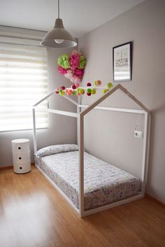 Vera's little bed-house Cama-casita de Vera