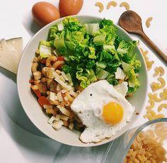 Těstovinový salát za studena se hodí k obědu, k večeři i k svačině. Podívejte se na 5 různých receptů a vyberte si ten nej. Mozzarella, Tofu, Ethnic Recipes