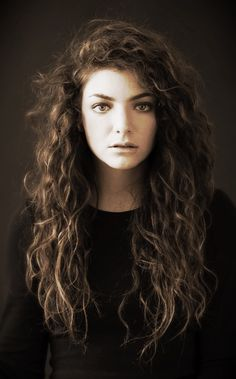 Perfect Lorde and her perfect hair