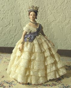 Queen Victoria Doll: Photo courtesy of golondrina411 on Flickr