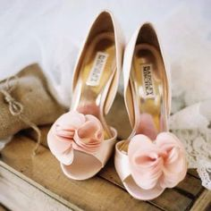 Kleinfeld canada - pink shoes. Because I love pink. And shoes!