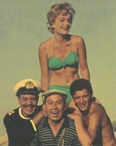 Από τα καλλιστεία στον Ελληνικό Κινηματογράφο…Πολλές Ελληνίδες έλαβαν μέρος στα καλλιστεία και στη συνέχεια σημείωσαν μικρή … Bikinis, Swimwear, Captain Hat, Cinema, Hats, Fashion, Bathing Suits, Moda, Swimsuits