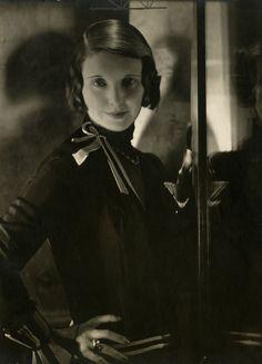 Edward Steichen, Musical comedy actress June Walker, Detail, 1928, Courtesy Condé Nast Archive, New York, © 1928 Condé Nast Publications.