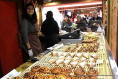 In piazza Solferino a #Torino un #mercatino di #Natale #francese