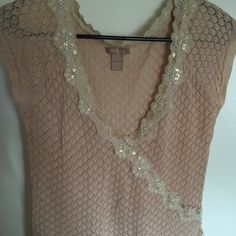 Sassy embellished top with bead and faux pearls Super cute top by twenty one. Embellished with faux pearls and beads.size is ramie and cotton Twenty one Tops Blouses Embellished Top, Cute Tops, Fashion Tips, Fashion Design, Fashion Trends, Sassy, Arrow Necklace, Bead, Super Cute