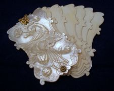 VICTORIAN ANTIQUE MOP GOLD DANCE CARD ~ CARNETS DE BAL.