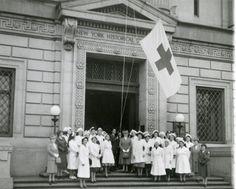 New-York Historical Society Unit of the Red Cross, One millionth bandage, 1943 ~ Veterans Day Celebration, History Of Nursing, Male Nurse, Vintage Nurse, American Red Cross, Military Veterans, Antique Photos, Historical Society, One In A Million