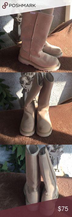Roper boots size 7 light tan fur just like uggs Like new size 7  fur inside like Uggs Ropers Shoes Winter & Rain Boots