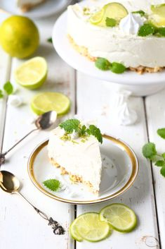 Cheesecake al limone e yogurt Good Food, Yummy Food, Tasty, Sweet Pastries, Exotic Food, Piece Of Cakes, Something Sweet, Let Them Eat Cake, No Bake Cake