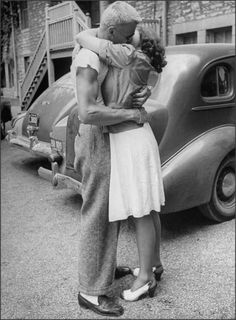 Vintage lovers #kissing #reference
