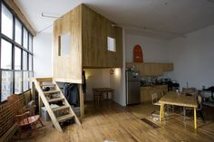 Make Small Apartment so Attractive and more Spacious, Brooklyn Loft by Katz Chiao - Home Interior Design Ideas Loft Spaces, Small Spaces, Indoor Tree House, Treehouse Cabins, Treehouse Ideas, Cabin Loft, Loft House, Kabine, Bedroom Loft