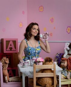 """""""Comic Genius"""" is a beautiful project by American photographer Matt Hoyle, who has created more than 130 portraits of famous actors and comedians, from Ricky Ge People Drinking Coffee, Drinking Tea, Tina Fey, Top Comedies, Celebrity Photographers, Celebrity Pics, Celebrity Women, Todays Comics, Portraits"""