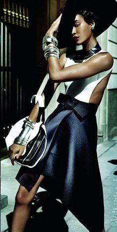 Joan Smalls Is Raw Elegance By Mario Testino For Vogue Brazil June 2013 - 3 Sensual Fashion Editorials Foto Fashion, Fashion Shoot, Editorial Fashion, Fashion Models, High Fashion, Womens Fashion, Vogue Editorial, Fashion Tape, Travel Fashion