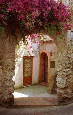 beautiful entryway in Capri, Italy