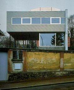 Villa Dall'Ava (1991) Avenue Clodoald, Saint-Cloud 92210. Architecte : Rem Koolhaas