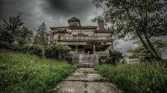 Abandoned house in Astoria, Oregon