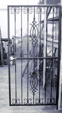 Wrought Iron Security Doors, Wrought Iron Stairs, Iron Gate Design, House Gate Design, Metal Gate Door, Burglar Bars, Window Grill Design, Metal Yard Art, Grades