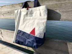 Rough Element: Neue Segeltaschen - frisch aus der Werkstatt Sailing Outfit, Recycling, Reusable Tote Bags, Crafts, Veil, Handmade Bags, Bags Sewing, Work Shop Garage, Sewing Patterns