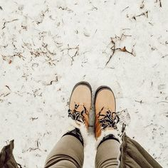 More snow today 😒 trying to think of it as a winter wonderland and not a slippery, slushy mess! ❄🌨☃️How's the weather where you are? Spray Painting Wood Furniture, Painted Furniture, Farmhouse Bathroom Accessories, Farmhouse Style Bedding, Big Deck, Snow Today, Cricut Tutorials, Slushies, Doc Martens Oxfords