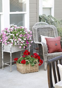 We love the color of the petunias and geraniums with the textures of the basket and the wicker planter. Kristen Whitby of the blog Ella Claire Inspired shows how adding flowers can brighten up your patio. || @kristenwhitby