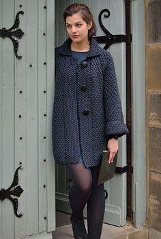 Вязание спицами пальто для женщин: схема с описанием