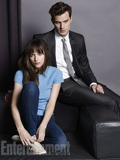 Here's your first look at Jamie Dornan and Dakota Johnson as Christian Grey and Anastasia Steele for the Fifty Shades of Grey movie. Entertainment Weekly has Fifty Shades Of Darker, Shades Of Grey Film, Fifty Shades Movie, Fifty Shades Trilogy, Christian Grey, Dakota Johnson, Jamie Dornan, Mr Grey, Grey Tie