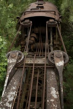 """Railroad Steam Crane, Dequeen, AR, USA """"Testament to a Bygone Era"""" by thankfullychosen.deviantart For Dad Old Abandoned Buildings, Abandoned Train, Abandoned Places, Windows Photo Gallery, Industrial Photography, Railroad Photography, Abandoned Factory, Old Trains, Steam Engine"""
