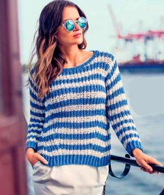 Полоски особенно эффектно смотрятся в сочетании с однотонными вещами, например на пуловере, скомбинированном с белой юбкой, и жакете с джинсами.