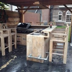 An outdoor kitchen can be an addition to your home and backyard that can completely change your style of living and entertaining. Diy Outdoor Kitchen, Outdoor Cooking, Outdoor Rooms, Outdoor Living, Outdoor Furniture Sets, Outdoor Decor, Backyard Projects, Outdoor Projects, Backyard Ideas