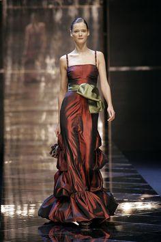 Valentino - Paris Fashion Week Fall, 2005
