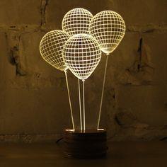 3D Optical Illusion of 2D Lamps  Le Studio Cheha basé à Tel Aviv a créé ces lampes LED « Bulbing » avec une illusion d'effet 3D puisque les lampes sont en réalité complètement plates. Financées grâce à Kickstarter, les designers ont donc pu confectionné différentes formes de lampes : ballons, tourbillon, montagne… A découvrir en vidéo et photos.
