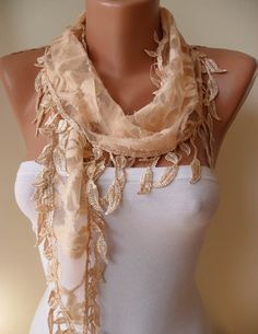 Tan foulard avec dentelle par SwedishShop
