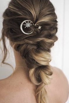 Moon and star Hair pins perfect for those who love celestial inspired hair jewelry. These are also perfect for boho brides and winter weddings. wedding jewelry Celestial Night Sky Hair clip set - Moon and star hair accessories Prom Hairstyles For Short Hair, Boho Hairstyles, Wedding Hairstyles, Hairstyle Ideas, Star Wedding, Wedding Pins, Wedding Jewelry For Bride, Wedding Ideas, Dream Wedding
