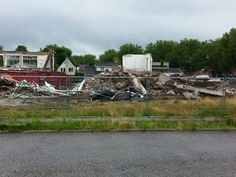 Achterkant bijna verdwenen Neerhofschool 10 Neerhofstraat 3 Zevenbergen (13-7-2015)