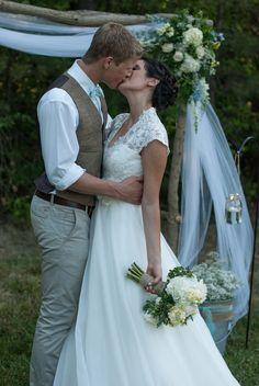 A Rustic Chic Wedding in Mint Green | The Red Dirt Bride   Live the arbor  the brides pose. ;)