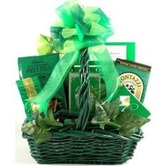 They'll know just how lucky the Irish are when they receive this amazing gift basket to help them celebrate St. The green basket if filled with delicious gourmet goodies for all d . Chocolate Dipped Cookies, Ghirardelli Chocolate, Mint Chocolate, Dipped Oreos, Green Basket, Butter Toffee, Holiday Gift Baskets, Cheese Straws, Smoked Beef