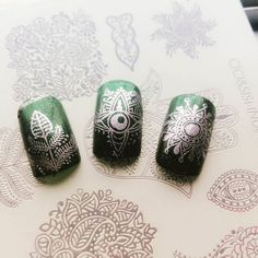 My Indian style the shinning deep green matches the light shinning purple it's like jewel. Plate:#ciciandsisi indian style #pin #twitter #fb #instanails #instanailart #nailartwow #nailart #nailstamping #naildesign
